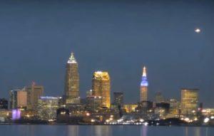 НЛО над городом Кливлендом сняли на видео