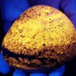Загадочные светящиеся камни обнаружены в Мичигане