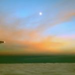 Пассажир самолёта снял на смартфон флотилию НЛО (видео)