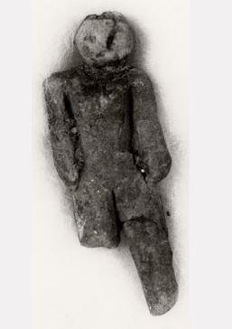 каменная статуэтка