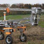 Робот для сельского хозяйства выжигает сорняки молниями